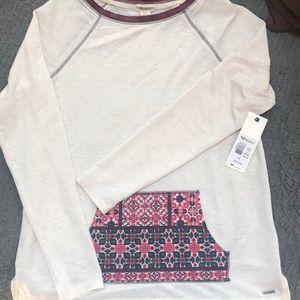 Roxy woman's medium lightweight shirt with pocket